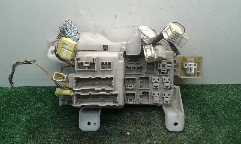 Блок предохранителей Toyota Corolla Fielder CE121G 1NZ-FE 2000 (б/у)