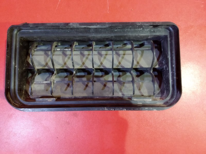 Дефлектор Volkswagen Passat 3C2 AXX 2005 задний (б/у)
