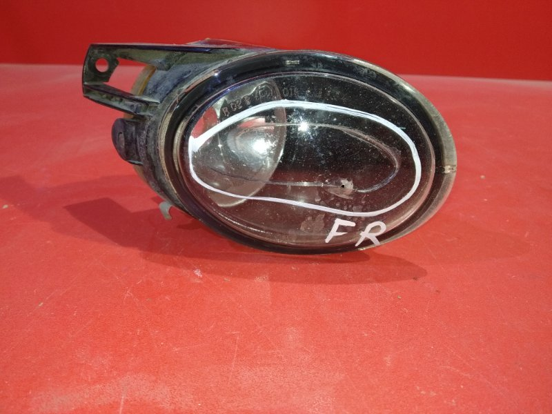 Фара противотуманная Volkswagen Passat B6 AXX 2005 передняя правая (б/у)