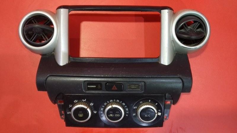 Блок управления климат-контролем Toyota Ist NCP60 1NZFE 2005 (б/у)