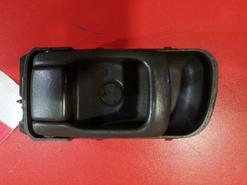 Ручка двери внутренняя Nissan Avenir LR50 VG33E 1999 задняя правая (б/у)
