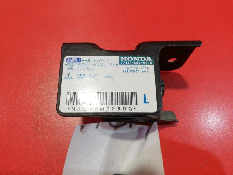 Датчик airbag Honda Stream RN1 D17A2 2000 передний левый (б/у)