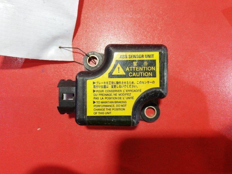 Датчик замедления Toyota Hiace KLH18 2KD-FTV 2001 (б/у)