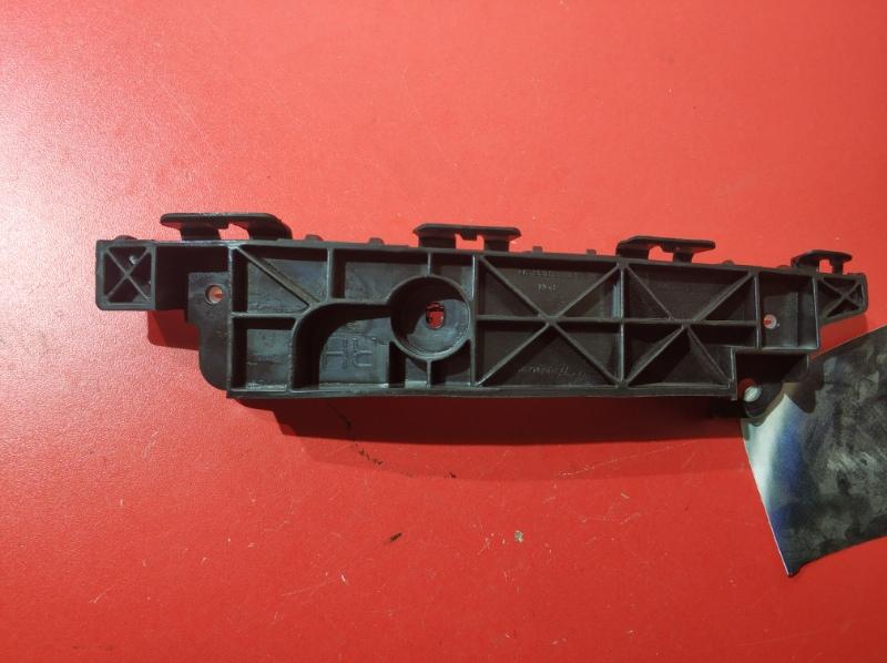 Крепление бампера Hyundai Ix35 LM D4HA 2010 переднее правое (б/у)