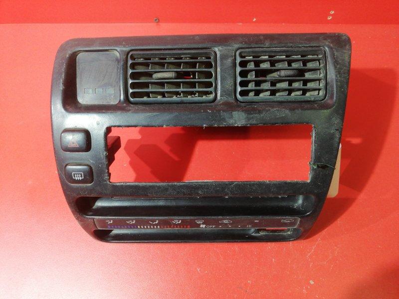 Накладка центральной консоли Toyota Sprinter AE100 4AFE 1992 (б/у)
