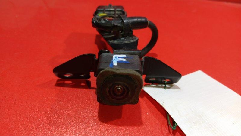 Камера заднего вида Nissan Patrol Y62 VK56VD 2010 передняя (б/у)