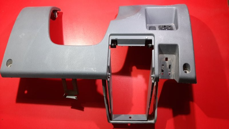 Накладка под руль Mitsubishi Airtrek CU2W 4G63 2001 (б/у)