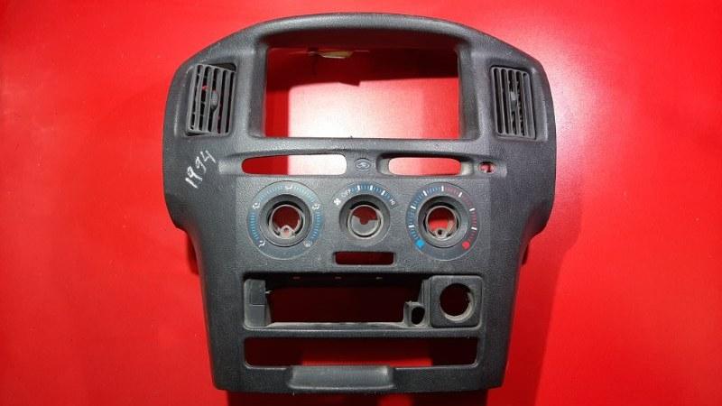 Консоль магнитофона Toyota Probox NCP51 1NZFE 2001 (б/у)