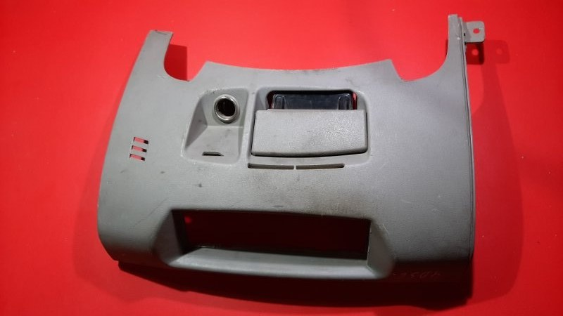 Накладка торпедо Mitsubishi L200 KB4T 4D56 2005 (б/у)