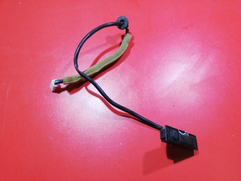 Кнопка открывания багажника Nissan Patrol Y62 VK56VD 2010 задняя (б/у)