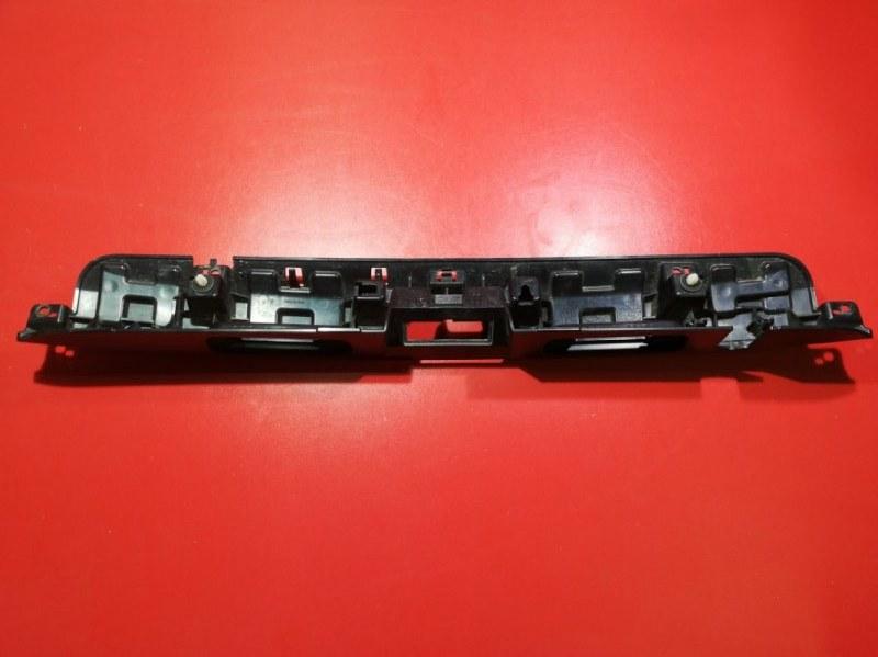 Накладка на багажник Nissan Patrol Y62 VK56VD 2010 задняя (б/у)