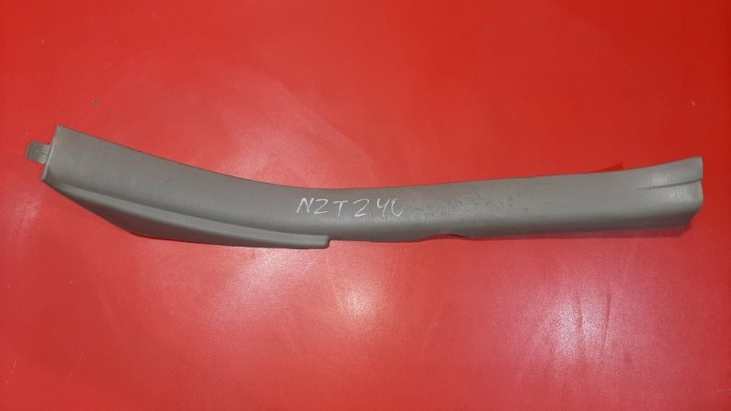 Накладка на порог Toyota Premio AZT240 1AZFSE 2001 задняя левая (б/у)