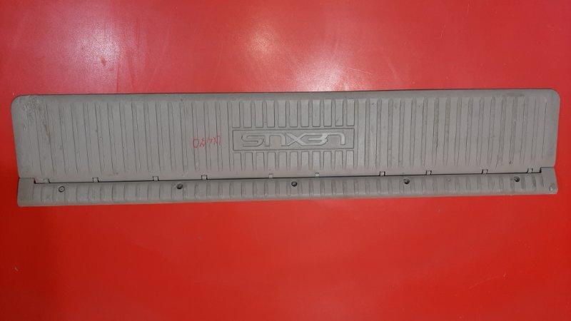 Накладка двери багажника Lexus Lx470 UZJ100 2UZFE 2UZFE (б/у)