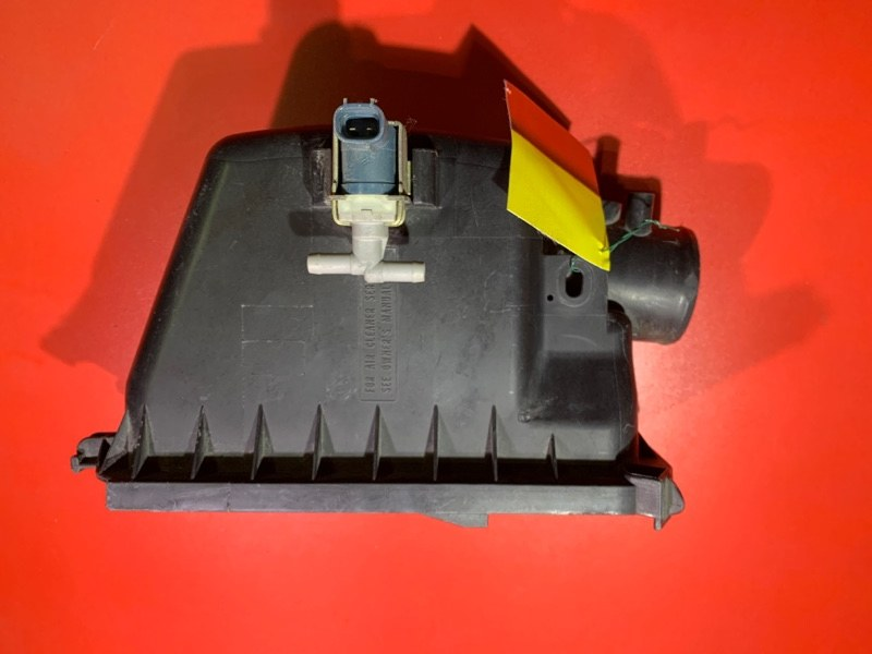 Корпус воздушного фильтра Toyota Probox NCP55V 1NZFE 2002 (б/у)