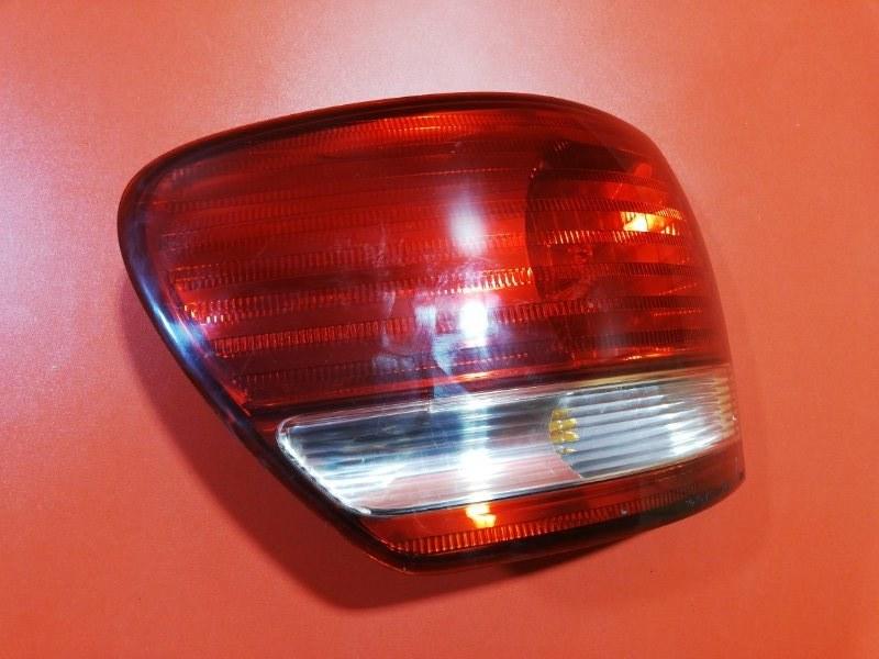 Фонарь Toyota Ipsum ACM26W 2AZ-FE 2001 задний левый (б/у)