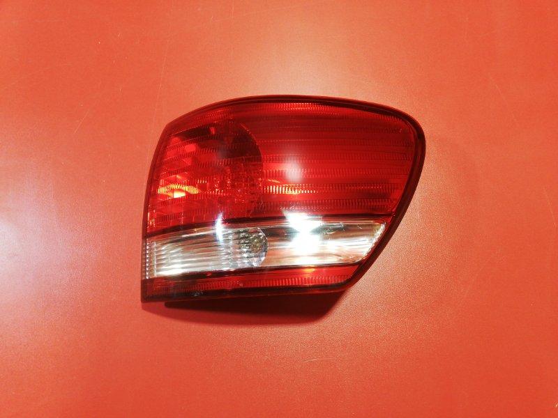Фонарь Toyota Ipsum ACM21W 2001 задний правый (б/у)