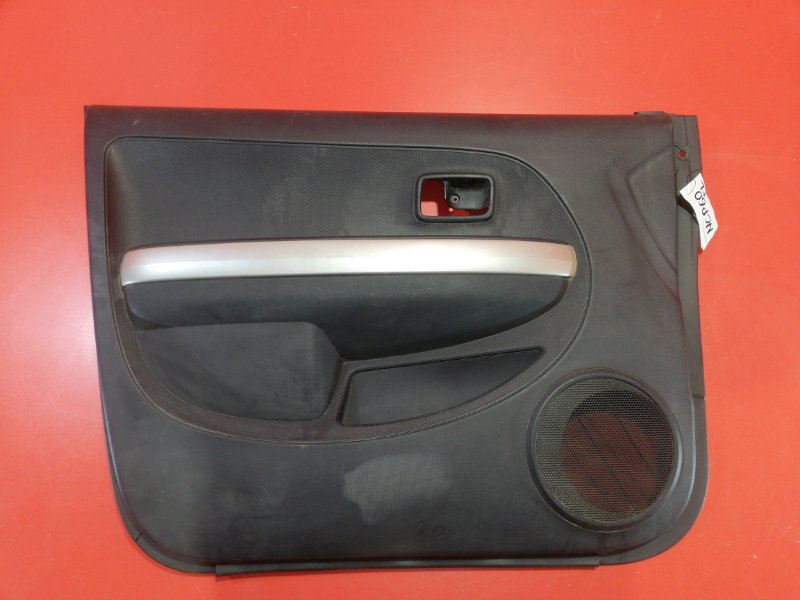 Обшивка двери Toyota Ist NCP60 2NZ-FE 2002 передняя левая (б/у)