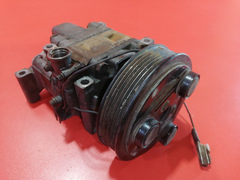 Компрессор кондиционера Mazda Verisa DC5W ZY-VE 2004 (б/у)