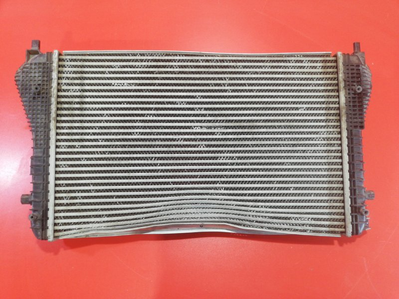 Радиатор интеркулера Volkswagen Golf 1K5 AXW 2003 (б/у)