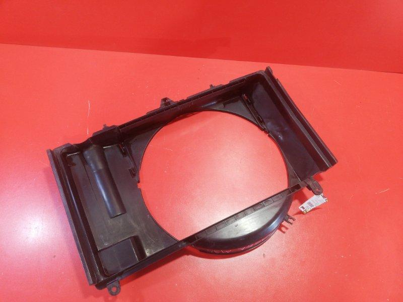 Диффузор радиатора Nissan Stagea M35 VQ35DE 2003 (б/у)
