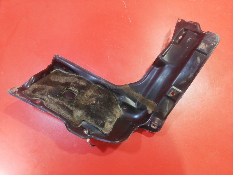 Защита двигателя Toyota Corolla NZE121 1NZ-FE 2000 передняя правая (б/у)