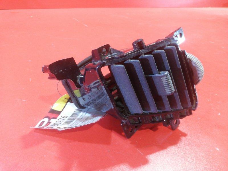 Дефлектор воздушный Nissan Wingroad WHNY11 QG18DE 1999 передний правый (б/у)