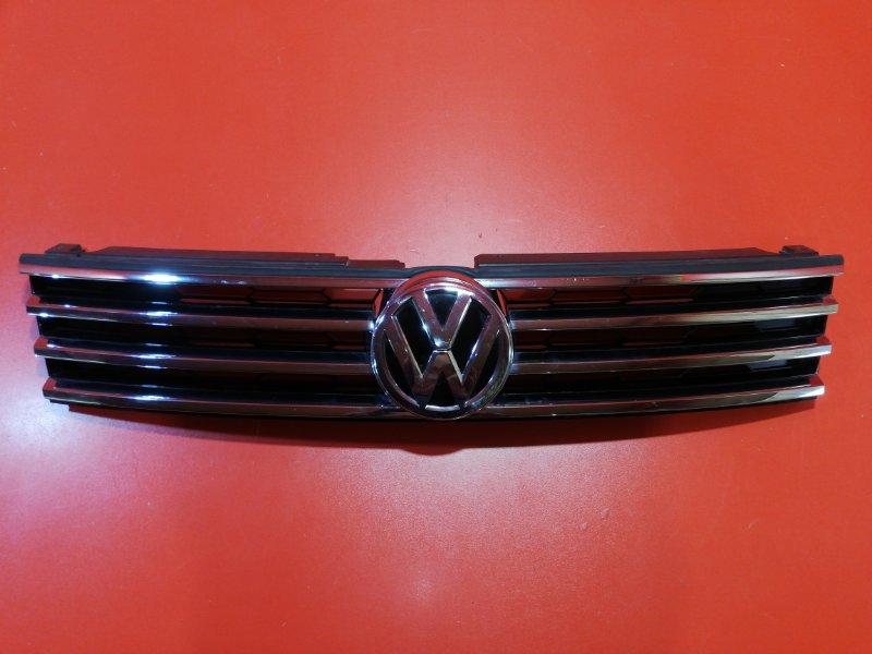 Решетка радиатора Volkswagen Touareg 7P5 CASA 2010 (б/у)
