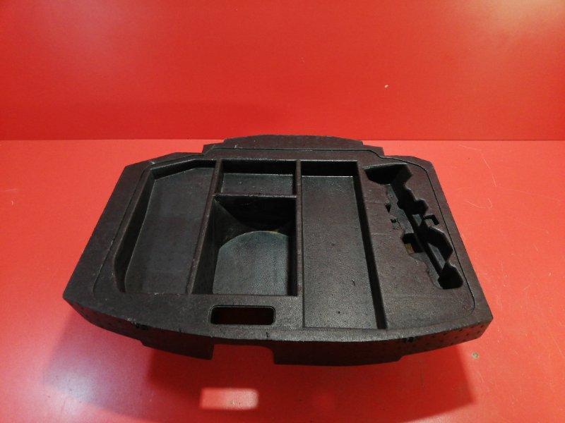Ящик для инструментов Nissan Tino HV10 SR20DE 1998 (б/у)