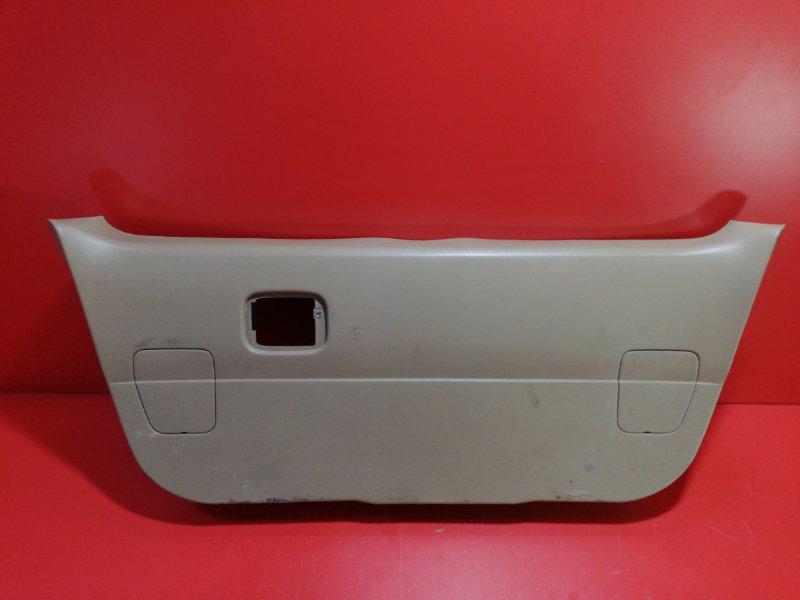 Обшивка крышки багажника Nissan Presage VU30 YD25DDT 1999 задняя (б/у)