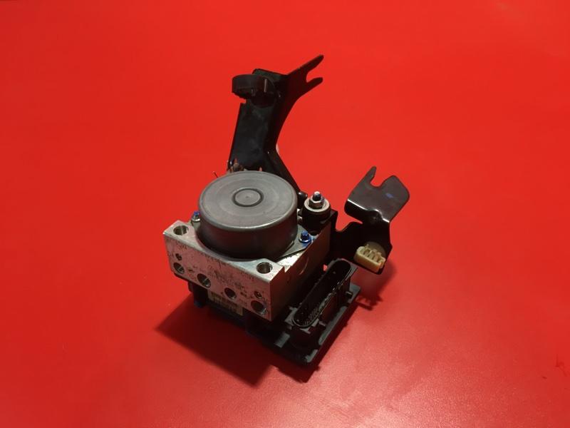 Блок abs Nissan Almera G15 K4M 2012 (б/у)