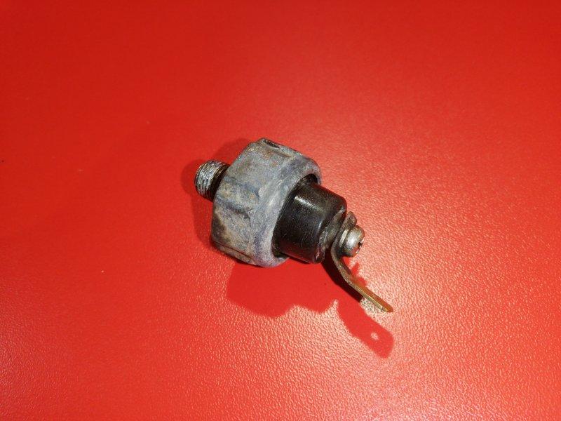Датчик давления масла Mitsubishi Pajero Io H76W 4G93 1998 (б/у)