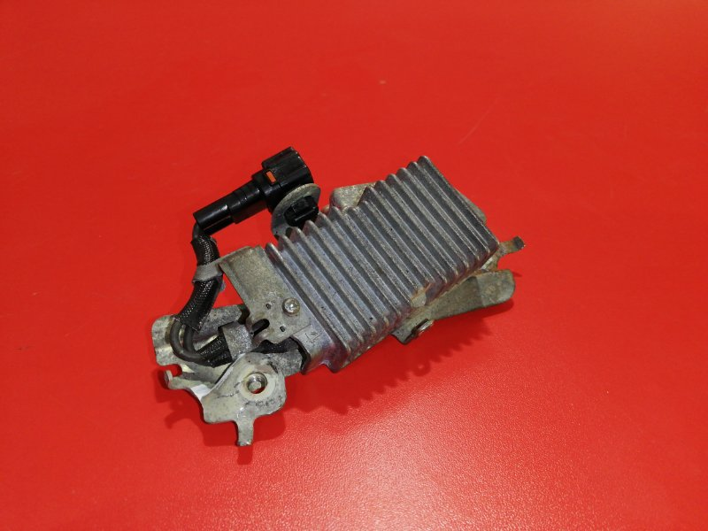 Резистор топливного насоса Lexus Is250 GSE20 4GR-FSE 2005 (б/у)