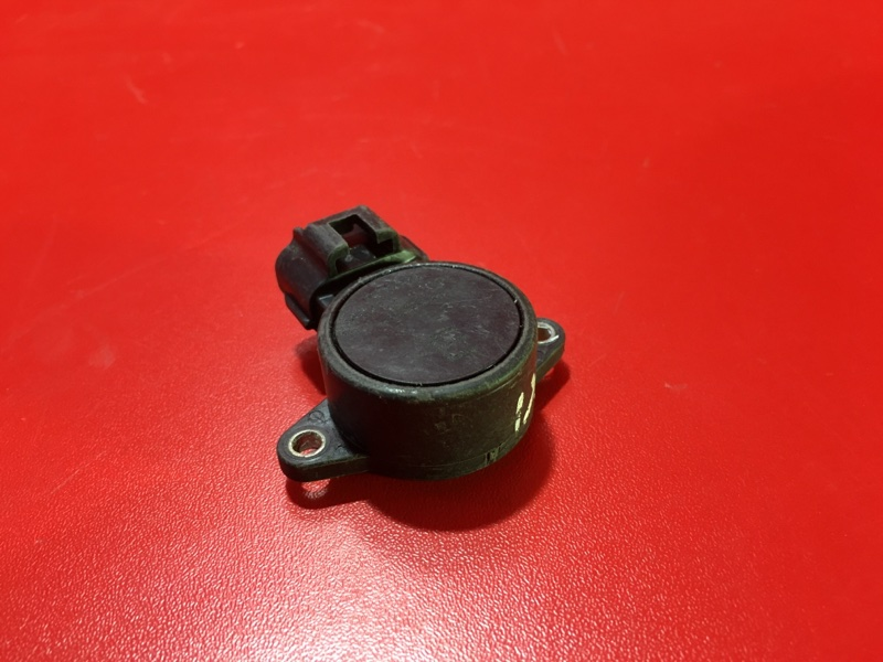 Датчик положения дросельной заслонки Toyota Platz SCP11 1SZ-FE 1999 (б/у)