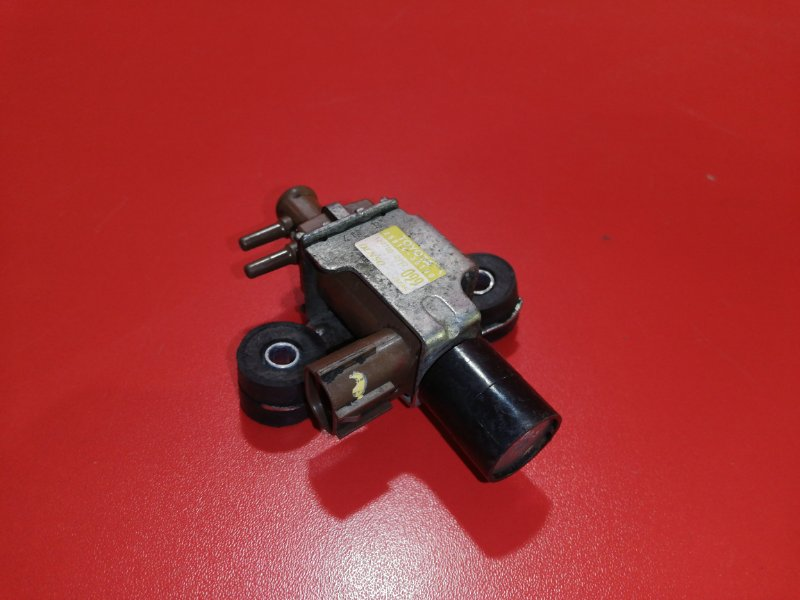Клапан вакуумный Toyota Hilux Pick Up KUN25 2KD-FTV 2004 (б/у)