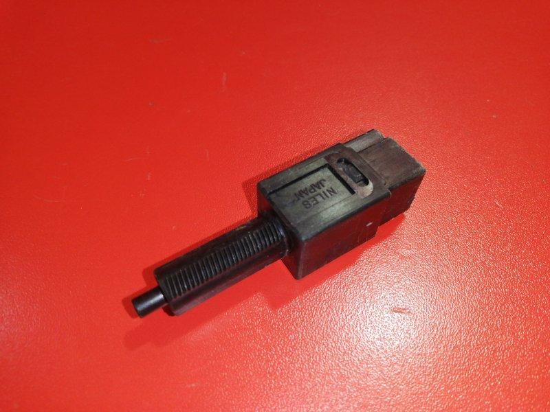 Концевик педали тормоза Nissan Juke F15E HR15DE 2010 (б/у)