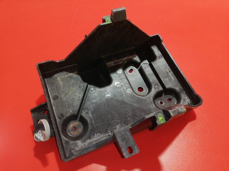 Площадка под аккумулятор Mazda Cx-7 ER L3-VDT 2006 (б/у)