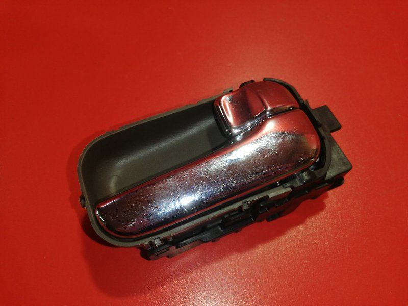 Ручка двери внутренняя Nissan Presage VU30 YD25DDT 1999 передняя (б/у)