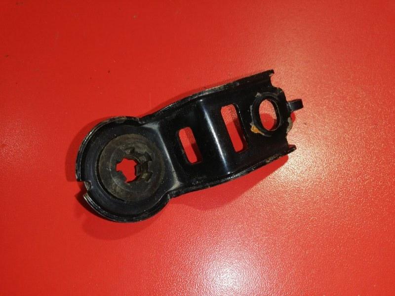 Кронштейн крепления радиатора Toyota Allex NZE121 1NZ-FE 2001 передний (б/у)