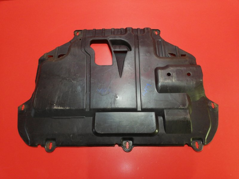 Защита двигателя Ford Focus CB4 QQDB 2009 (б/у)