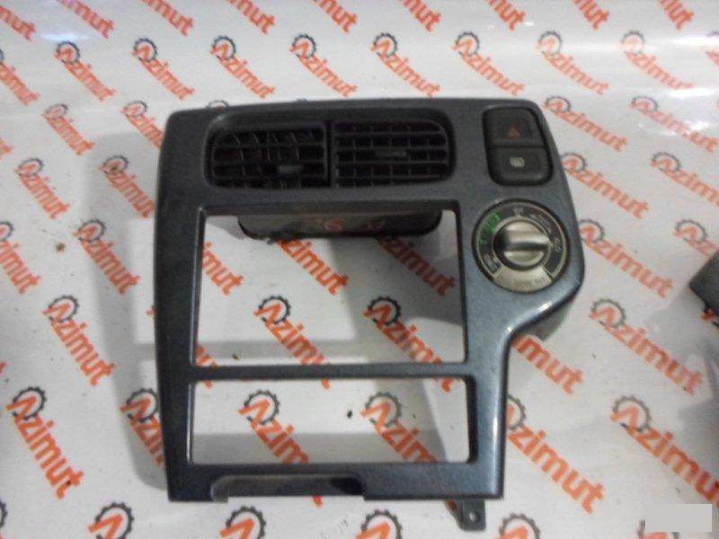 Консоль магнитофона Nissan Terrano PR50 TD27ETI (б/у)