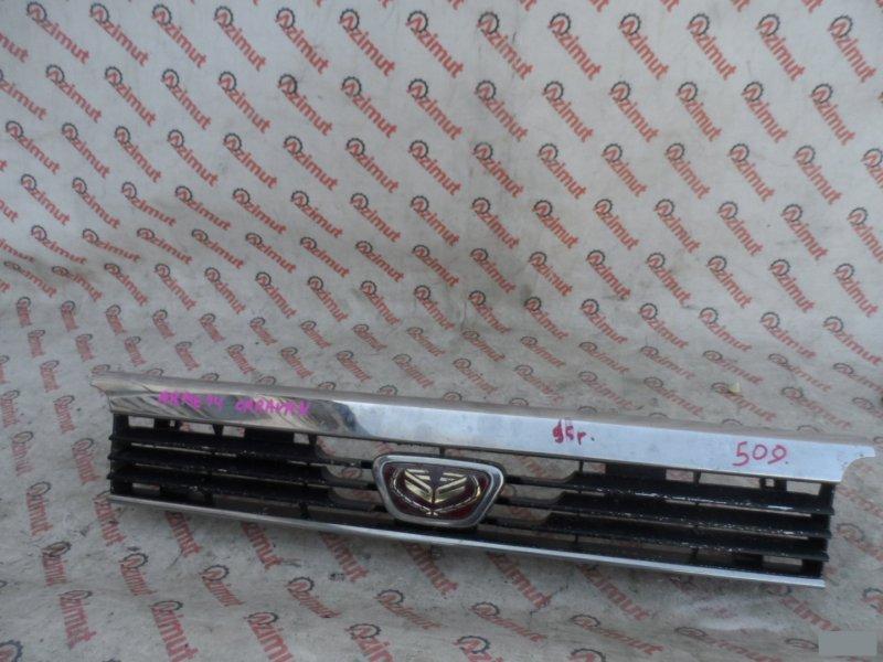 Решетка радиатора Nissan Caravan ARME24 (б/у) 62310 38N10