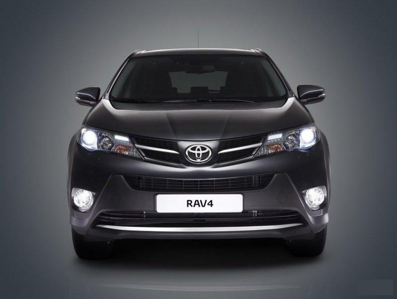 Решетка радиатора Toyota Rav4 ASA44L левая 53106-0R010, TY07540GAL