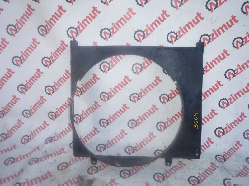 Диффузор радиатора Mitsubishi Delica PE8W 4M40T (б/у) 3004