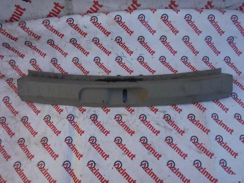 Накладка замка багажника Toyota Passo Sette M502EM512E 3SZVE (б/у)