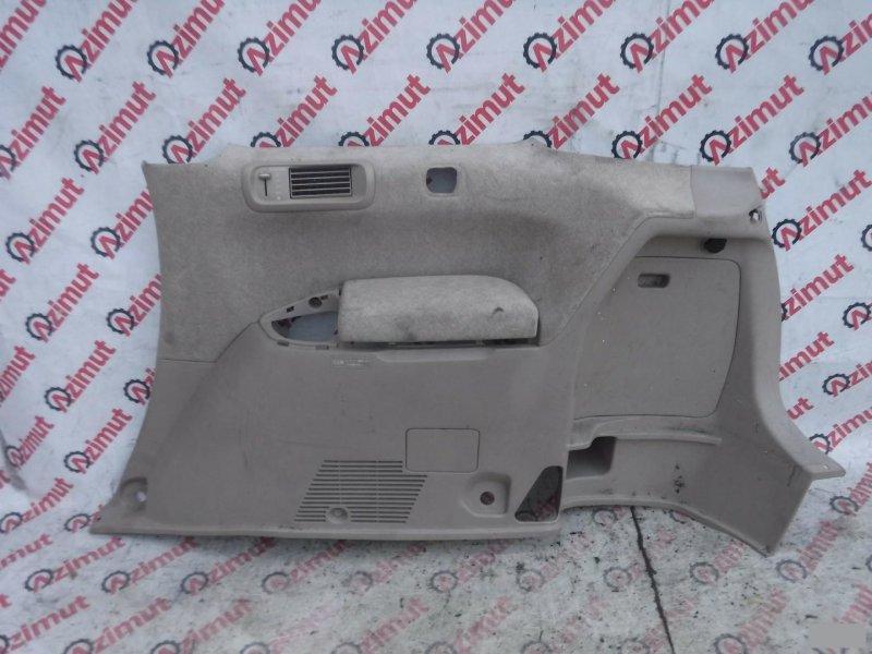 Обшивка багажника Toyota Gaia SXM10G задняя правая (б/у)
