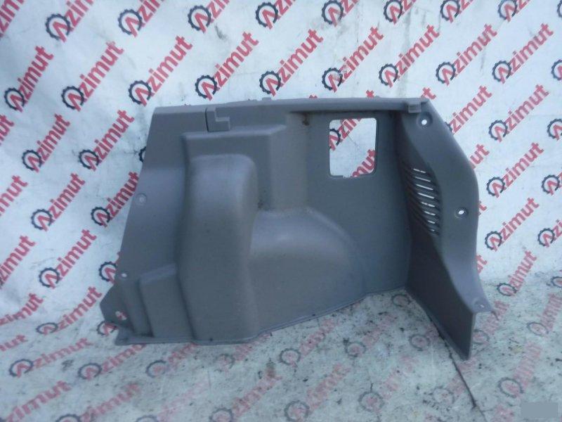Обшивка багажника Mazda Demio DW3W B3E задняя правая нижняя (б/у) 421