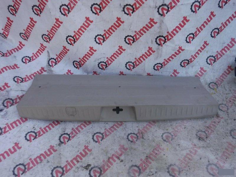 Накладка замка багажника Mitsubishi Grandis NA4W (б/у)