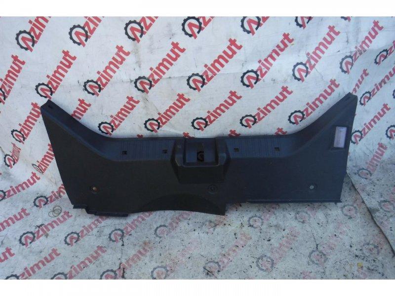 Накладка замка багажника Mercedes-Benz Slk-Class R170 M111E23ML задняя (б/у) 504