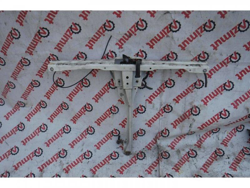 Планка телевизора Honda Stream RN2 2001 (б/у)