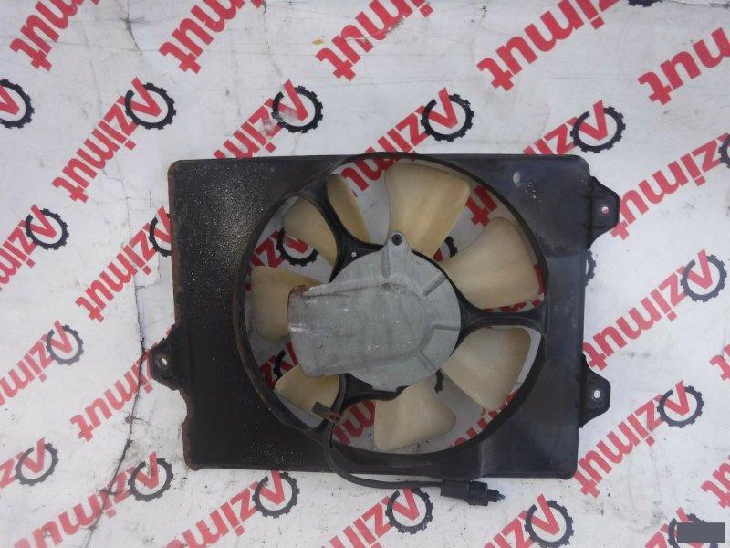 Диффузор радиатора Toyota Ipsum SXM15 3SFE (б/у) 527